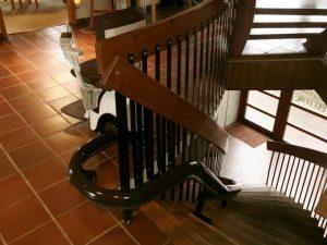 上階では邪魔にならないように待避