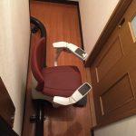 二階の廊下を通り、乗り換えなしで三階へ。 内回り取り付けにより実現できました。